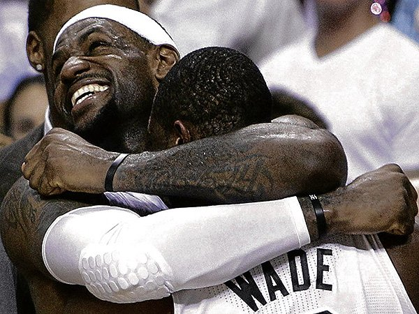 LeBron-James hugs Wade