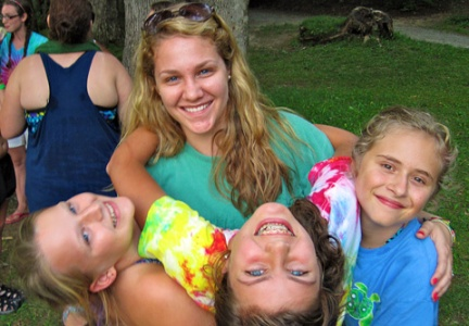 counselor-campers-hug